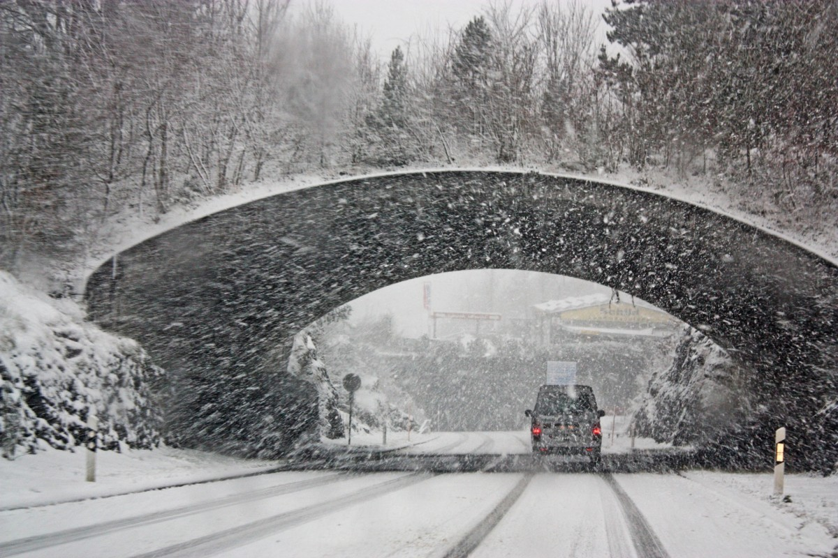 How To Stay Safe While Driving In The Winter